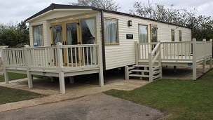 Stunning 3 Bedroom Caravan on Prime Location
