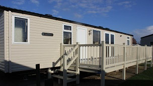 Stunning 3 Bedroom Caravan - 2 Bathrooms with Showers!